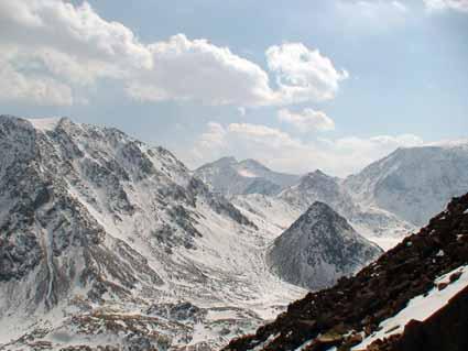 Вид из долины р.Ильчир на перевал Оспин-Дабан