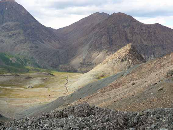Вид с перевала Оспин-Дабан на долину р.Ильчир