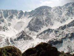 Вид от карьера седьмой жилы на гору Графитовая